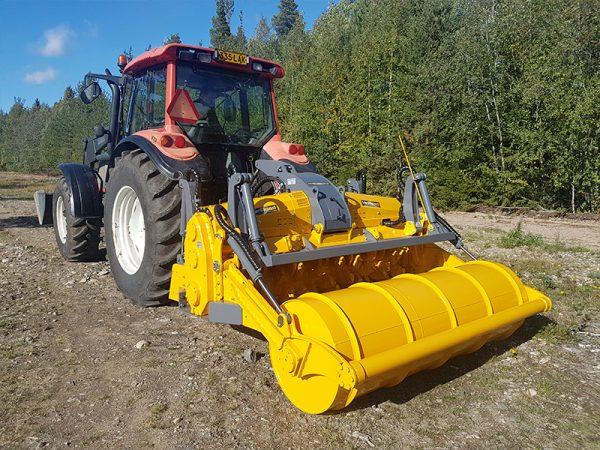 Mericrusher on tractor in action