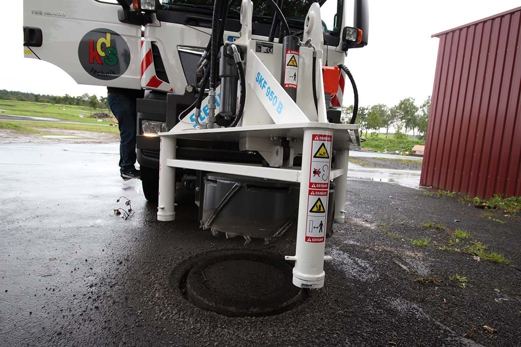 Stehr Manhole Cutter in action on a site