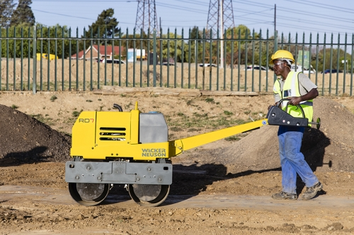 Wacker RD7 Tandem Roller in action
